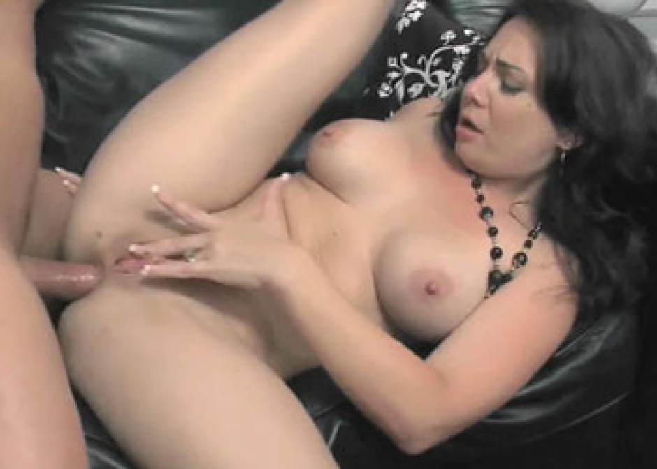 Brunette Milf Cum Swallow